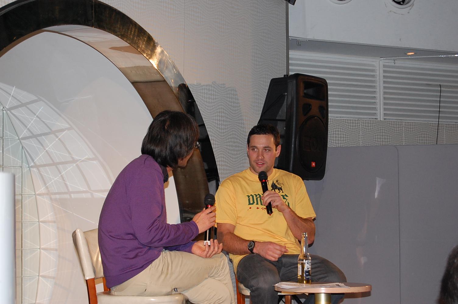 2011_032